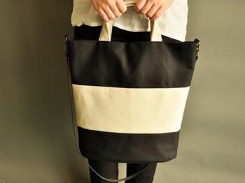 『あったらいいな』を形にしている「Grandir」さんのトートバッグ。こちらはショルダーとしても使える便利なバッグ。