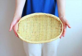 大きいサイズは、トレイとして使ったり、果物などを置くのにもぴったりのサイズ。