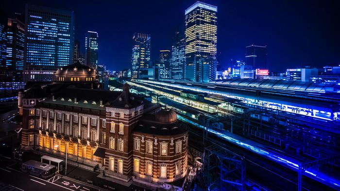 庭園からは東京駅が一望できます。夜景もキレイ☆