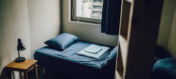 二段ベッドとエクストラベッドが設置されたトリプルルームもあります。