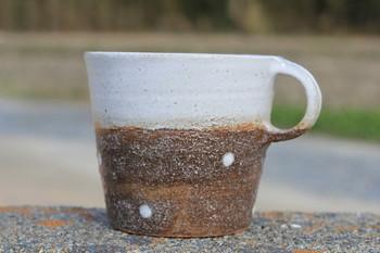 陶器や雑貨を制作する「ととうや」。ほっこり和む、かわいい器がたくさんあります。