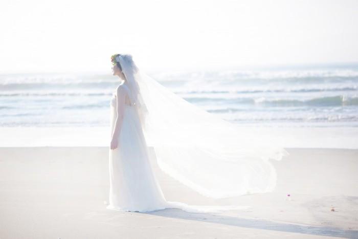 人生に一度きりのウェディング。真っ白でふわふわのドレス、小さいころから憧れだった人も多いはず。ナチュラルで淡く優しい雰囲気が素敵な「Maison SUZU」のドレスをチェックしてみませんか?