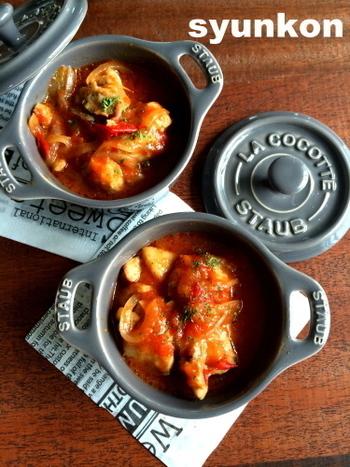 フライパンで作ると1時間以上かかるメニューが、レンジで作ればたったの5分!簡単にバチッと味が決まり、誰にでも愛されるトマト煮です。