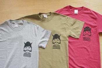 オリジナルのTシャツやバッグも販売していますよ!1枚1枚丁寧にシルクスクリーンでプリントしているそうです。