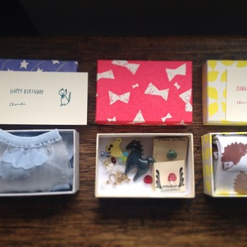 お友達へのプレゼントを入れるボックスとしてもおすすめです!こんな素敵な箱で贈り物をいただいたら、うれしくなってしまいますね♪