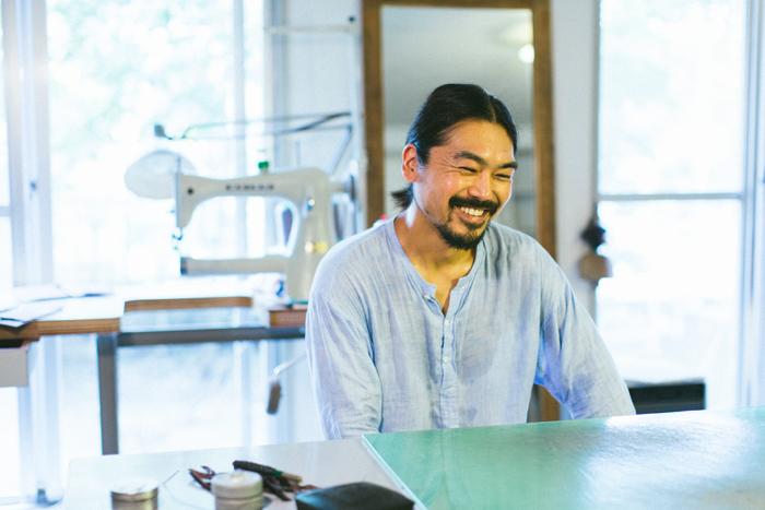 こちらが黒澤洋行さん。穏やかで暖かい人柄が、作品にもそのまま表れている。