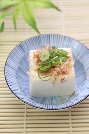 「畑の肉」といわれる大豆から作られたお豆腐には、さまざまな栄養素が含まれています。