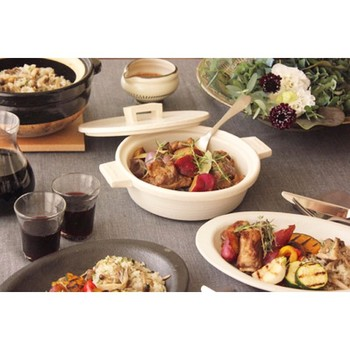 毎日の食卓に活躍してくれそうな、素敵な陶器をたくさんご紹介しました。いかがでしたか?長谷園の土鍋を使うと、いつものメニューも魔法のように一段と美味しくなってしまいます!ぜひ食卓に取り入れて楽しんでください♪