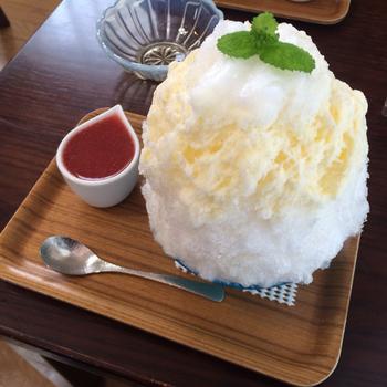 「たまごとミルク」 なつかしいミルクセーキのような味のかき氷。ふんわりとした口どけの良い氷にぴったりマッチします☆