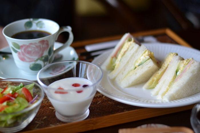 ハムチーズトーストや厚切りトースト、そしてサンドイッチなどの「THE モーニング」を美味しいコーヒーと一緒にどうぞ!