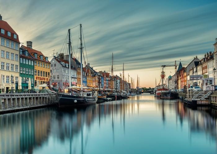 さて、ここからはデンマーク国民でなくとも感じられる、デンマークの魅力についてご紹介します。 まずは憧れる人も多い、北欧ならではの素敵な風景を見てみましょう。