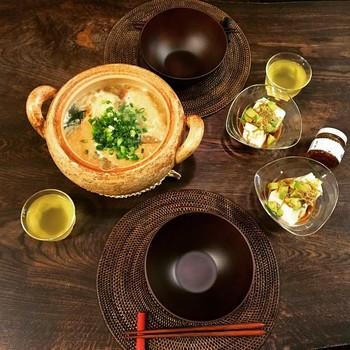 肉厚成形なので保温効果抜群。そのまま食卓に出してあつあつをいただきましょう!こちらは鍋焼きうどんに使用されています。