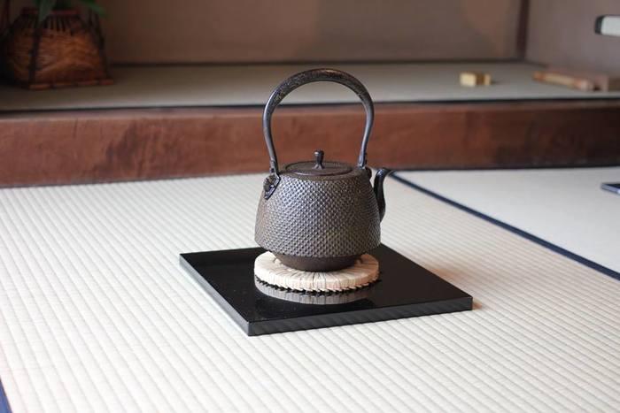上野桜木あたり3号棟は「みんなのざしき」と名付けられています。過去に茶道の師匠さんが住まわれていたというこの場所は各種イベントや交流会の場として貸し出しも行われています。