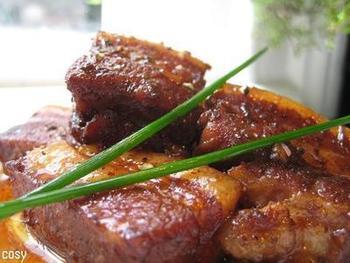 バルサミコの酸味は優しく、煮込むことで旨味も増すため、すっぱいのが苦手という方でもおいしくいただけます。