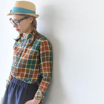 着丈のバランスがよいジムフレックスのシャツは、スカート・パンツともにコーディネートしやすいんです。ワンピースはそのままで着るだけでとってもキュートに。ベーシックなアイテムは年齢問わず着ることができます。