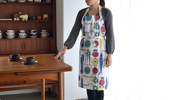 お揃いのエプロンでキッチンに立つのも素敵ですね。