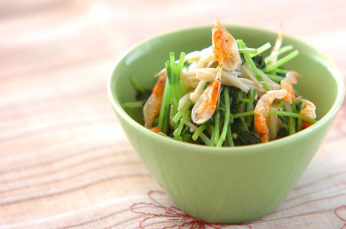豆苗のおひたし。 豆苗はたっぷり収穫できるので、こんなふうに副菜のメインになれますよ。自分で育てたからおいしさアップ!