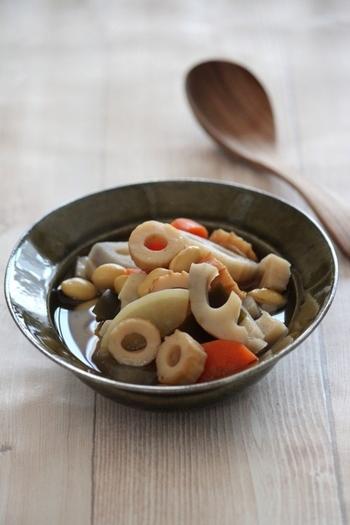 根菜とちくわと大豆で和風の煮物はいかがですか?じっくりコトコト煮て、しっかりと味を染み込ませましょう。