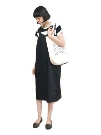 モデル以外にも、イラストやデザインなど多岐に渡って才能を発揮。KanocoさんがデザインしたTシャツやトートバッグは多くの人気を集めています。