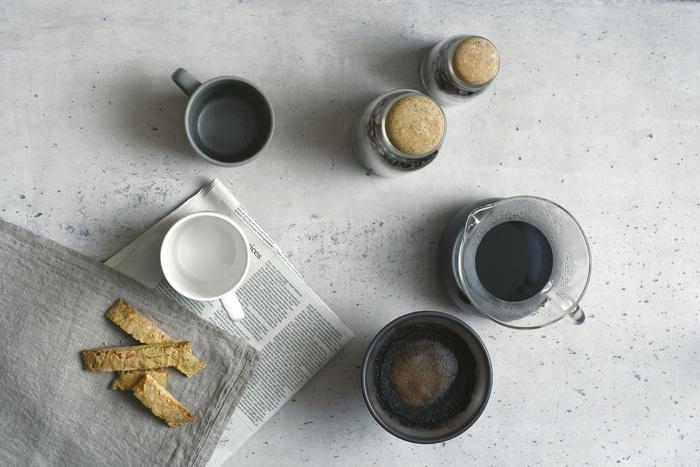 コーヒーの香りを楽しみながら、ハンドドリップする豊かな時間を与えてくれる、「SLOW COFFEE STYLE」。コーヒーを淹れる作業を安らぎに変えてしまう、魔法のようなアイテムが勢ぞろいしています。お気に入りのコーヒーを使って、癒しのひとときを過ごしてみませんか。