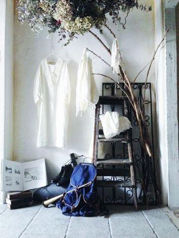 ネストローブとは「鳥の巣」「屋根裏部屋」「居心地の良い場所」という意味があります。その名の通り、ショップの店内はリラックスできる雰囲気になっています。