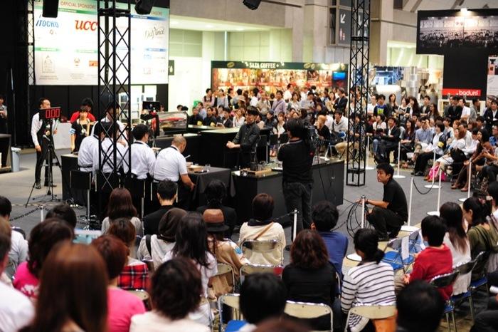 「SLOW COFFEE STYLE」は、2015年9月30日~10月2日に開催予定の、日本最大のスペシャルティーコーヒーイベント「SCAJ(Specialty Coffee Association of Japan)2015」に出展します。国内外の関連企業100社・200ブースが出展し、数多くの生産国からスペシャルティコーヒーと情報が集まる年に一度のビッグイベントとなっています。