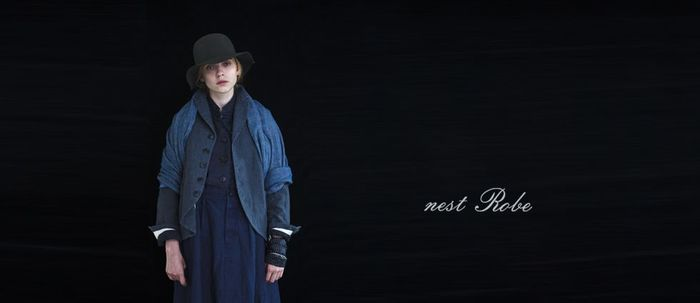 nest Robe(ネストローブ)は、大阪発のファッションブランド。着心地がよく、着るほどに体になじんでその人らしさを作り出していく。ネストローブの服にはそんな不思議な魅力があります。
