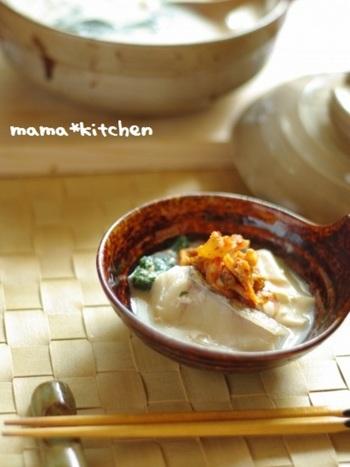 白身のタラと豆乳をお味噌でアレンジ。和風のアレンジとアクセントにキムチをのせて、体の芯から温まりましょう。