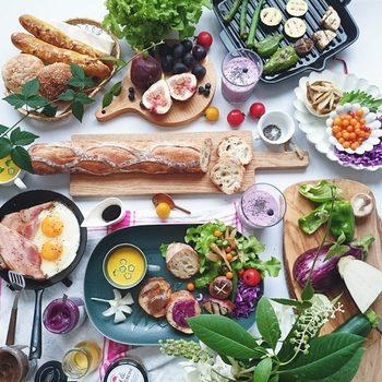 まるで海外のマルシェを髣髴させるような彩り鮮やかな食卓。こんな朝食に誰もが一度は憧れるのではないでしょうか?