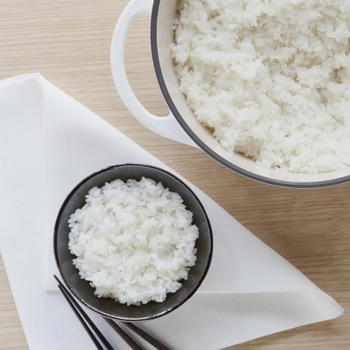 いつものお米を「バーミキュラ」で炊いたらどんな味がするか楽しみですね。 直火で炊くのでおこげも楽しめちゃいます!