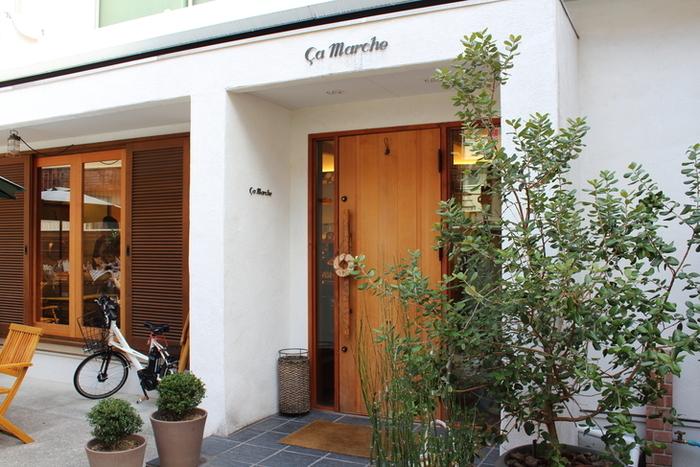 神戸北野にある、パン屋さんカフェ「サ・マーシュ」は、ほかのどのパン屋さんともカフェともちがいます。