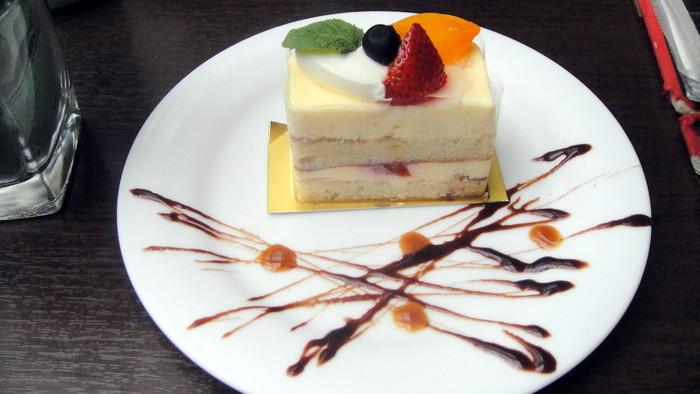 自慢の無国籍料理はもちろん、ニースの有名ホテルで活躍したパティシエが手がけるスイーツはGREEN HOUSE silvaだけのおいしさです。