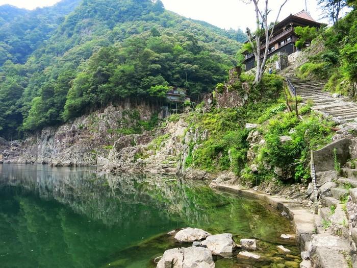 国特別名勝の大峡谷「瀞峡(どろきょう)」に佇む眺望絶佳の食堂・喫茶「瀞ホテル」
