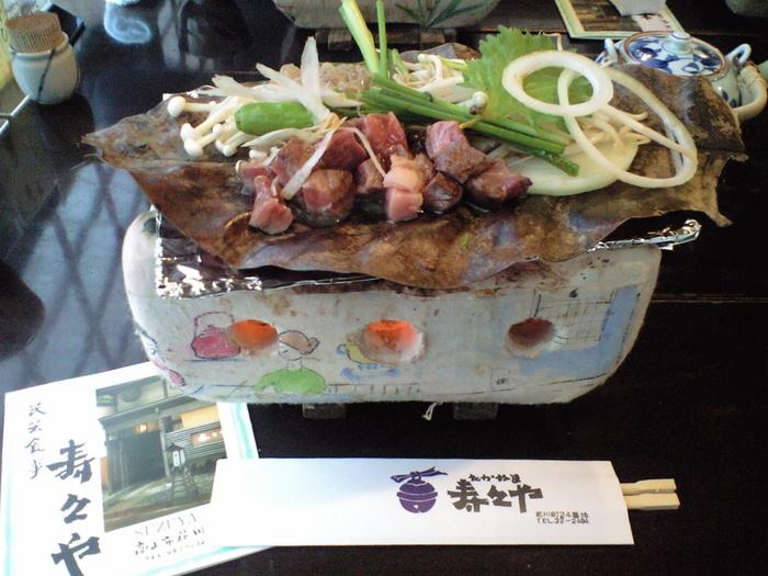 飛騨の郷土料理といえば、やはり飛騨牛と朴葉味噌。ステーキ定食や鍋定食などメニューも豊富です。