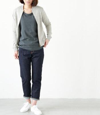 一足はほしいスタンダードな白!季節ごとに表情を変えて活躍する鉄板アイテムですね。