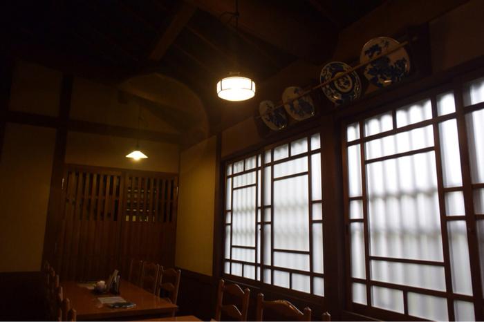 趣のある店内で、牛丼、牛鍋、焼肉セットで松坂牛をリーズナブルにゆっくりと楽しめます。