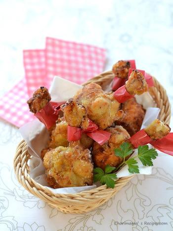 手羽元を、食べやすくて見た目もキュートなチューリップ形に。ほんのりカレー味が後を引く美味しさです。