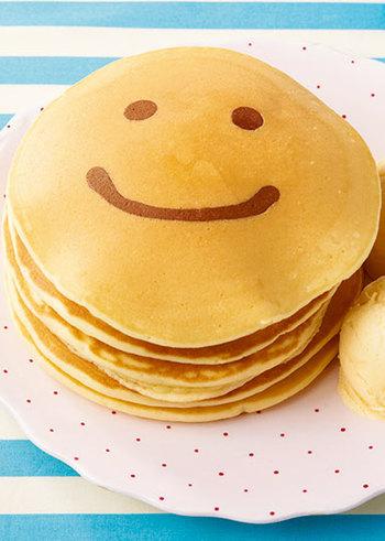 いつものパンケーキにひと工夫加えるだけで、チャーミングなおやつに変身!いろんな表情を描いてお楽しみください。