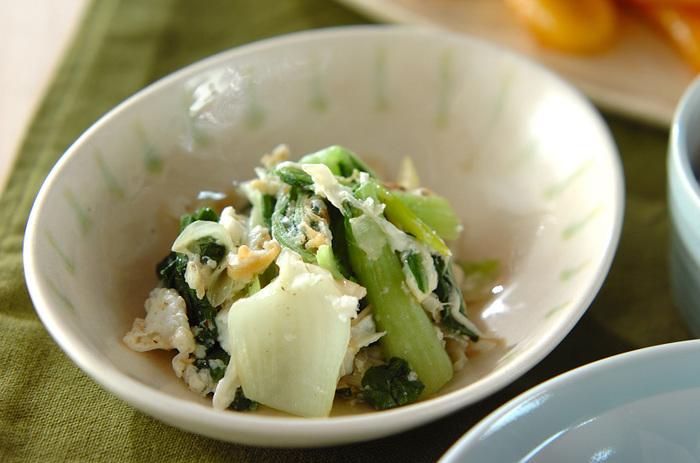 卵とじならぬ、卵白炒め。サッと絡めてすぐに盛り付け、ふんわり美味しそうです。
