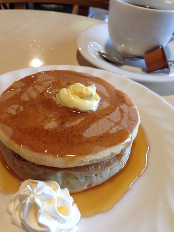 甘党の人には嬉しいホットケーキモーニングもあります。コーヒーつきで450円です。