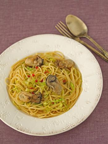 シンプルなオイルベースのパスタに合わせれば、牡蠣のうまみをしっかり味わえる一品になります。