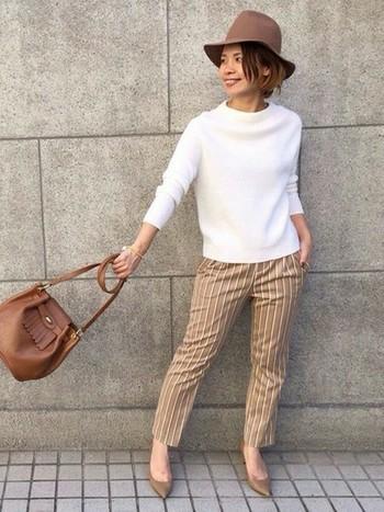 ブラウン&キャメル色を組み合わせた大人のお出かけスタイル☆ストライプパンツは締まりますね。