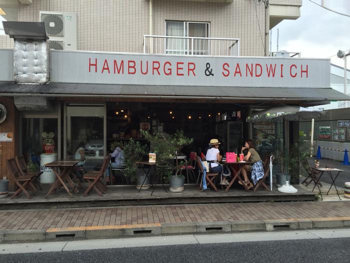 大泉学園にあるおしゃれなバーガーショップ。バーガー好きなら一度はいくべきという味とボリュームで大満足なお店です。
