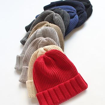 絶妙な色合いが嬉しいニット帽。何個か持ちたいアイテムです。