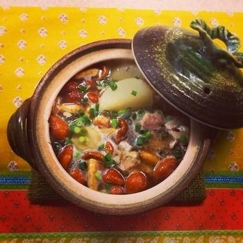 こちらもサバ缶レシピ♪鯖となめこのトロトロがとって体に良さそうな、サバ大根スープ。スープにして、すべてのうま味をいただきましょう。