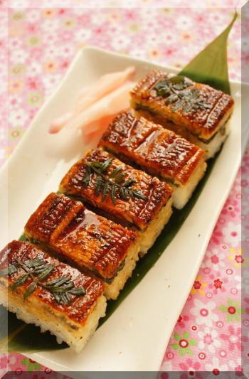 スタミナづけにもおすすめのうなぎの押し寿司。限られた量のうなぎを美味しくいただくのにピッタリです。