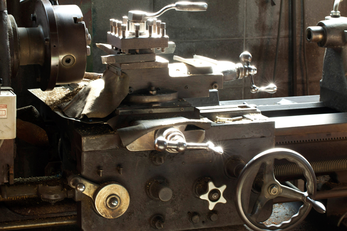 今ではほとんど見かけないというアンティークな機械。歴史の長さを物語っていますね