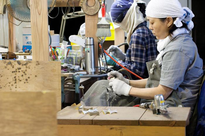 FUTAGAMIを始めてからは、もの作りが好きな若い職人さんも増えたそう。美大出身の方も多いのだとか