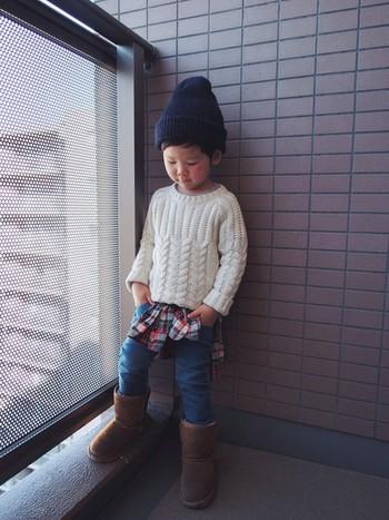 デニムとチェックシャツの定番カジュアルを、あたたかな冬スタイルにアレンジしたchobean(瑛音)くん。4歳でWEARISTA認定されました。