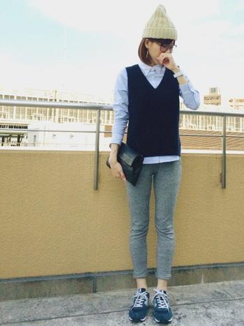体にフィットするサイズでレギンスパンツのように履いても、スウェット素材だから締めつけ感がありません。